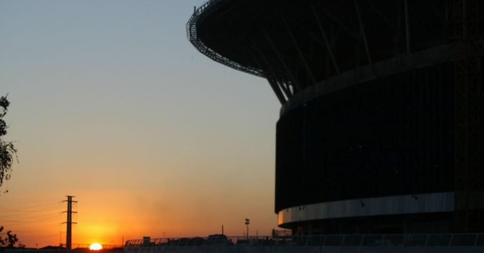 Pôr do sol próximo a Arena do Grêmio na zona norte de Porto Alegre