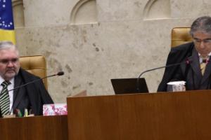 O procurador-geral da República, Roberto Gurgel, e presidente do Supremo Tribunal Federal, o ministro Ayres Britto, em sessão do julgamento do mensalão
