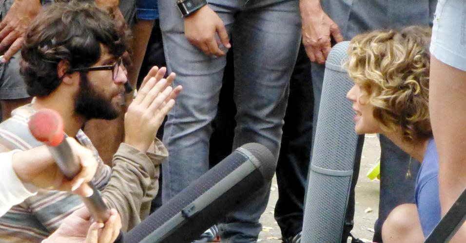 """Bruno Gagliasso e Leandra Leal gravam """"Mato Sem Cachorro"""" em Copacabana, no Rio de Janeiro. Dirigida por Pedro Amorim, a comédia romântica também conta com Gabriela Duarte e Danilo Gentili no elenco (7/11/12)"""