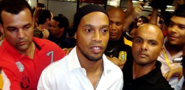 Ronaldinho Gaúcho comparece a audiência de processo contra o Flamengo (08/11/12)