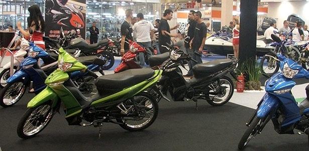 Crypton Cores: a pequena CUB da Yamaha chega em 2013 em novas opções de cores, mais jovens - Carlos Bazela/Infomoto