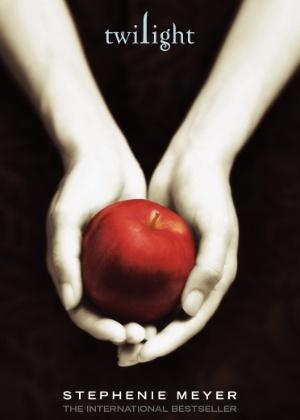 """Capa de """"Crepúsculo"""", primeiro livro da saga escrita por Stephanie Meyer  - Divulgação"""