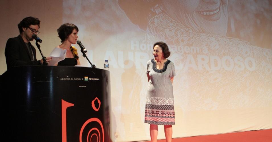 Laura Cardoso recebe homenagem no Festival de Vitória (8/11/2012)