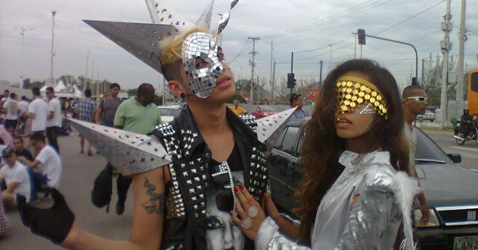 Maurício Albino, de 21 anos, e Dayane Sal, de 18, vieram de São Luís do Maranhão para o show da Lady Gaga no Rio (9/11/12)
