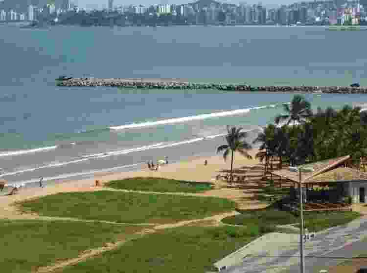 A cidade de Vitória, no Espírito Santo, oferece diversos atrativos para o turista: restaurantes que fazem a verdadeira moqueca capixaba, praias cercadas por belas paisagens e construções históricas como a capela de Santa Luzia, relíquia do Brasil Colônia do século 16 - Divulgação