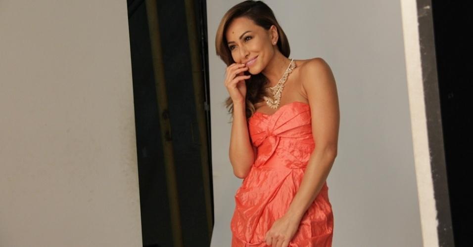 """Sabrina Sato fotografa para a nova campanha de sua marca de cosméticos, a linha """"Summer by Sabrina Sato"""", no estúdio do fotógrafo André Schiriló, em São Paulo (8/11/12)"""
