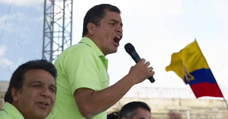 10.nov.2012 - O presidente do Equador, Rafael Correa, discursa durante ato em Quito neste sábado (10),em que anunciou que será candidato à reeleição nas próximas eleições gerais do país, marcadas para o dia 17 fevereiro de 2013