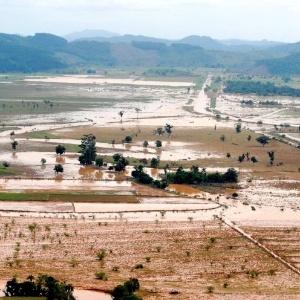 Vista aérea do Morro do Baú, em Ilhota, na região do Vale do Itajaí, área de risco de onde algumas pessoas se recusavam a sair durante as chuvas de 2008 - Wilson Dias/ABr