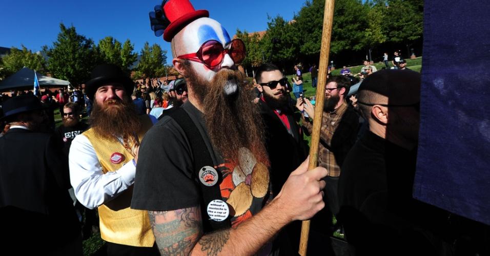 Concurso anual de barba e bigode em Las Vegas, nos Estados Unidos, reúne competidores com estilos diferentes.