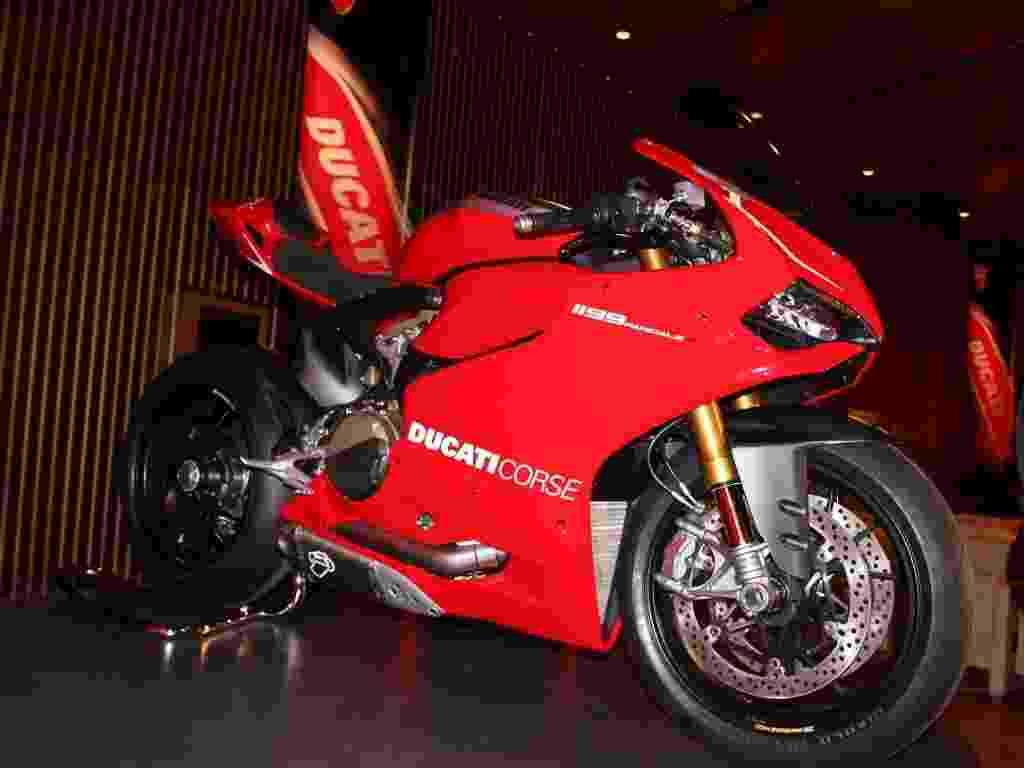 Ducati Panigale R - Carlos Bazela/Infomoto