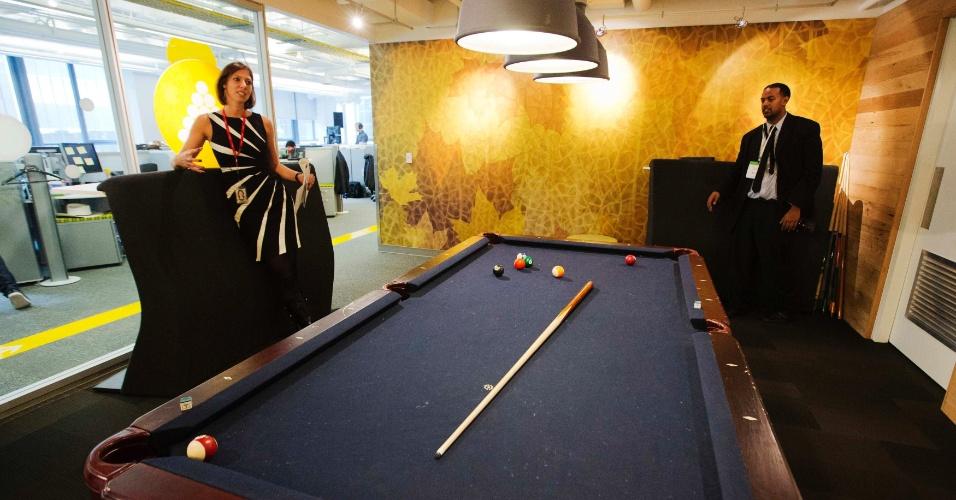 13.nov.2012 - Novo escritório do Google foi inaugurado em Toronto, no Canadá. Espaço tem minipista de golfe, cabine de DJ e mesa de sinuca para uso dos funcionários