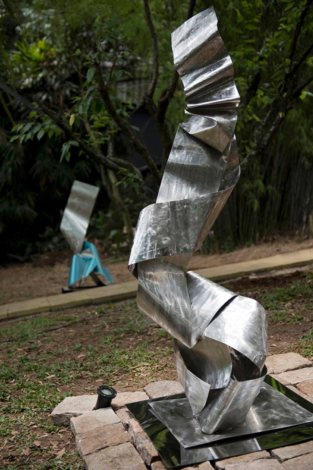Morar Mais Curitiba - 2012: Bosque das Esculturas-Andreia M de Menezes, Éder Mattiolli, Emanuel Nunes e Roger Claudino