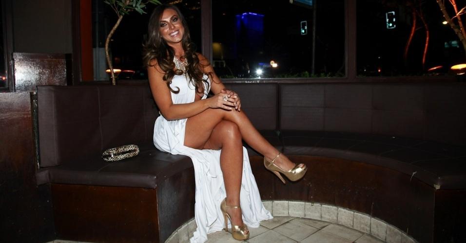 Nicole Bahls durante festa de lançamento da grife FXB by Nicole Bahls, com show da dupla Marcos & Claudio, no Maevva, localizado no bairro do Itaim Bibi, em São Paulo. O vestido branco que ela usou no evento e outras peças foram desenhadas por ela (12/11/12)