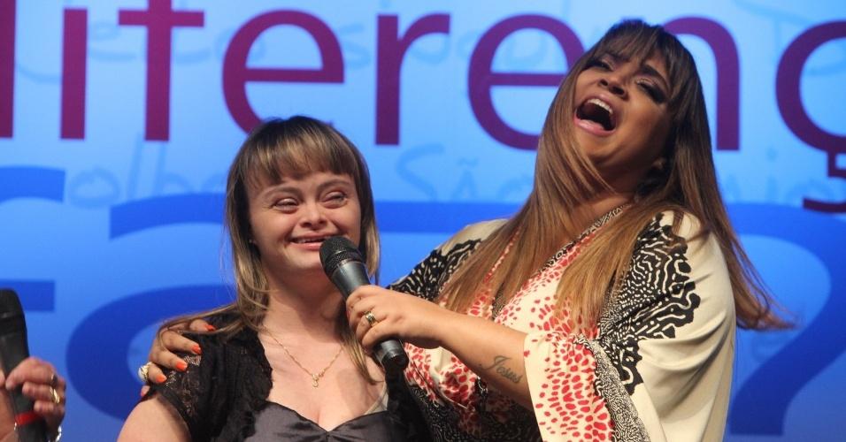 """Preta Gil é homenageada na campanha """"Ser Diferente é Normal"""", sobre conscientização e sobre síndrome de Down, no Espaço Ribalta, Barra da Tijuca, Rio de Janeiro (13/11/12)"""