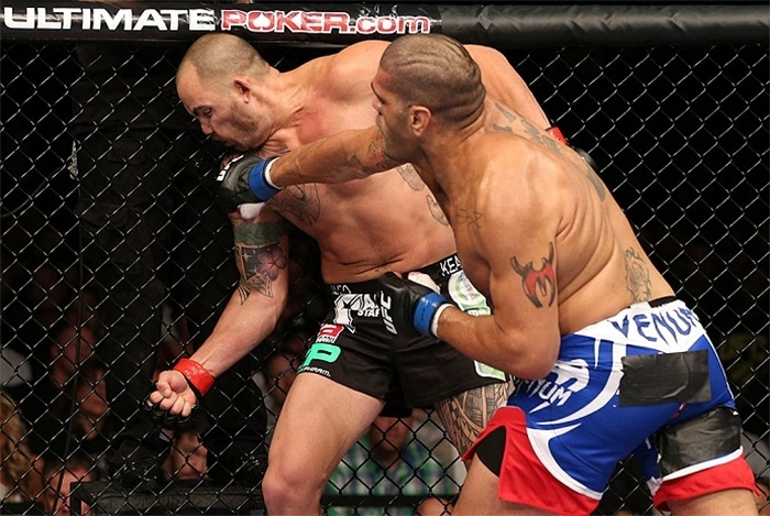Antonio Pezão nocauteia Travis Browne no UFC on FX 5 (05/10/2012)