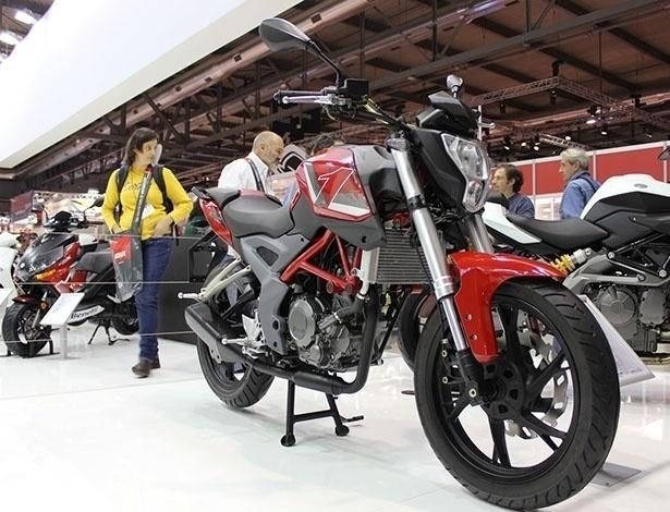 A UNO 250, uma das novidades, é uma street com motor de 250 cc, 24,5 cv e 2,14 kgfm de torque - Carlos Bazela/Infomoto