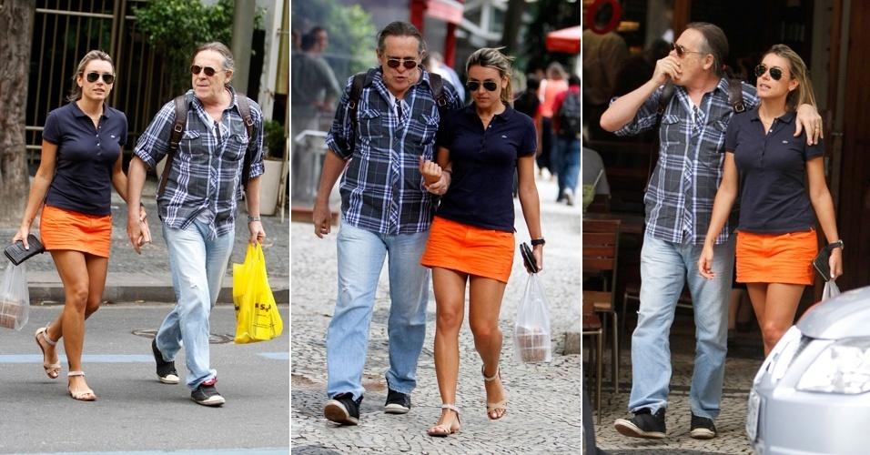 José de Abreu e a mulher passeiam no Leblon (15/11/12)