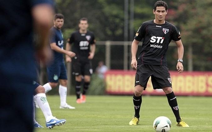 Paulo Henrique Ganso fez sua estreia como titular do São Paulo em jogo-treino contra o Guarani