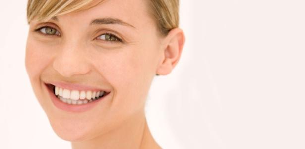 Cuidar da pele desde cedo, com proteção solar e hidratação, é fundamental para combater os sinais do envelhecimento - Thinkstock