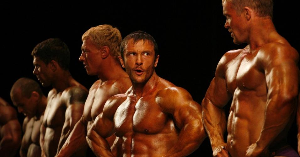 Concorrentes do Strongo Cup, torneio de fisiculturismo na Rússia, exibem boa forma