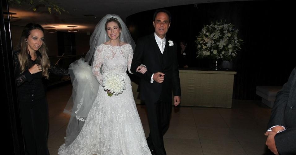 Marcela Leifert, irmã de Tiago, e Willem van Weerelt, diretor do programa de Jô Soares, se casam em São Paulo (17/11/12)
