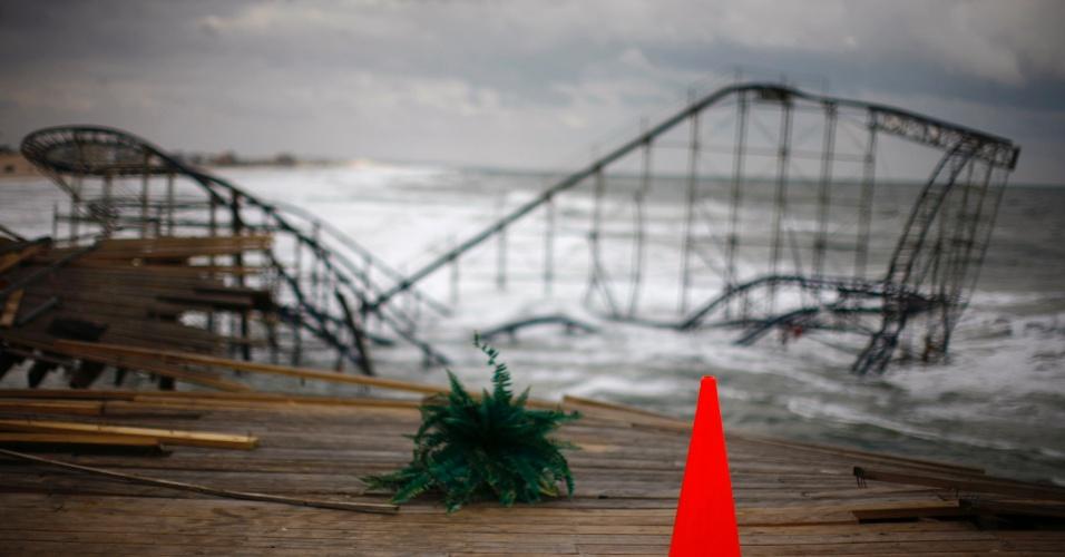 18.nov.2012 - Danos do furacão Sandy ainda deixam marcas na cidade de Seaside Heights, em New Jersey