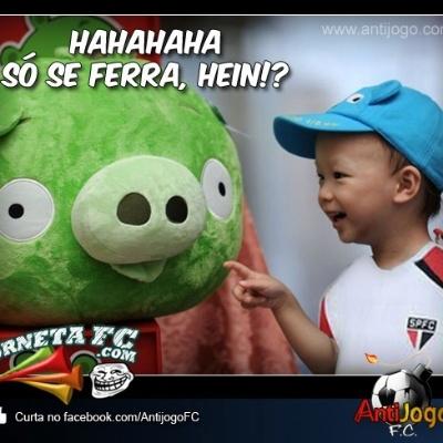 Pequeno torcedor do São Paulo tira sarro do Palmeiras