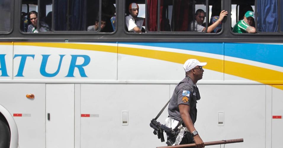 A polícia estava presente na chegada dos torcedores do Palmeiras a Volta Redonda para a partida contra o Flamengo