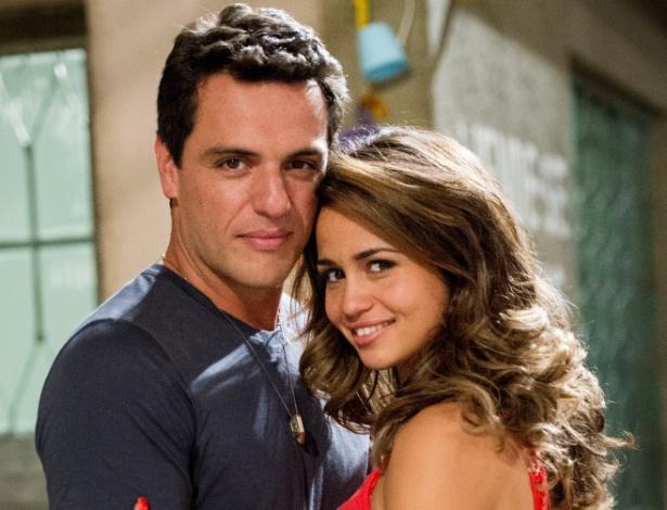 """Personagens Theo (Rodrigo Lombardi) e Morena (Nanda Costa), da novela """"Salve Jorge"""", da Globo - Matheus Melo/Divulgação TV Globo"""