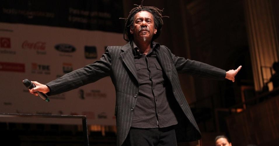 O cantor Luiz Melodia se apresenta na 10ª edição do Troféu Raça Negra, em São Paulo. O evento tem o objetivo de reconhecer e enaltecer pessoas que contribuem em diversas atividades da cultura negra (19/11/12)
