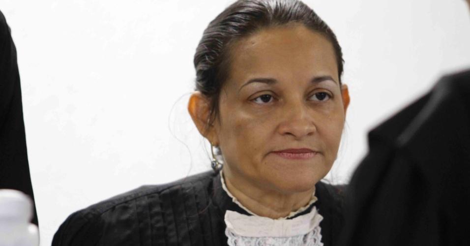 21.nov.2012 - A juíza Marixa Fabiane acatou o pedido dos advogados do goleiro Bruno e adiou o julgamento do caso para março de 2013