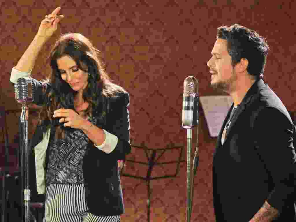 """Alejandro Sanz e Ivete Sangalo se encontram em estúdio na Barra da Tijuca, no Rio, para gravar o clipe de """"No me compares"""". O dueto está no novo álbum de Sanz """"La Música No Se Toca"""" (21/11/12)  - AgNews"""