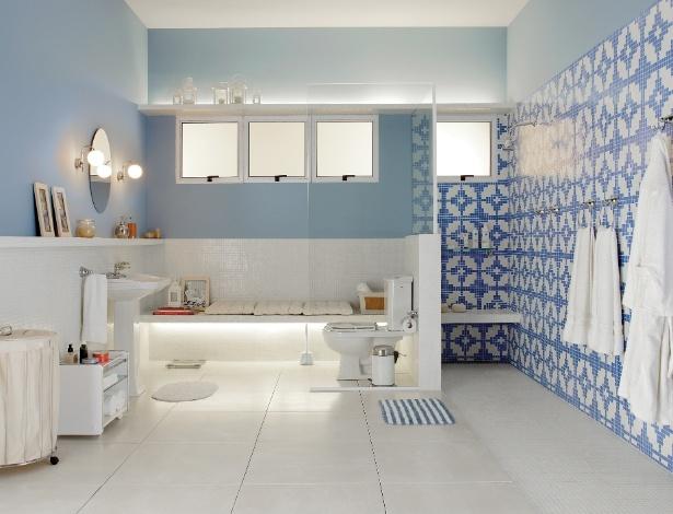 Banheiro criado por Gustavo Calazans usa bacia com caixa acoplada, opção utiliza menos água - Divulgação