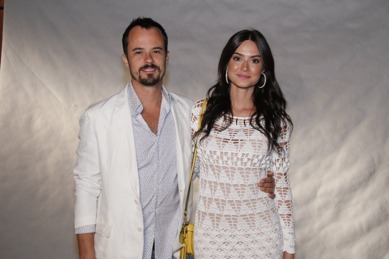 Paulinho Vilhena e Thayla Ayala participam de especial de fim de ano da Globo (21/11/12)