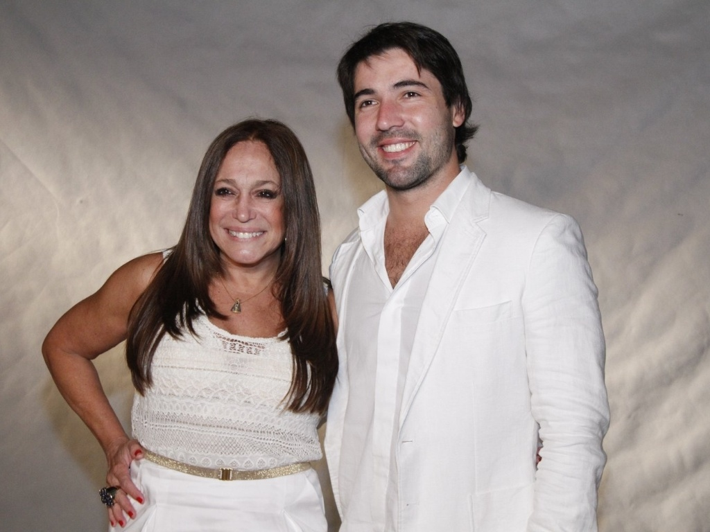 Susana Vieira e o namorado Sandro Pedroso participam de especial da Globo, no Rio de Janeiro (21/11/12)