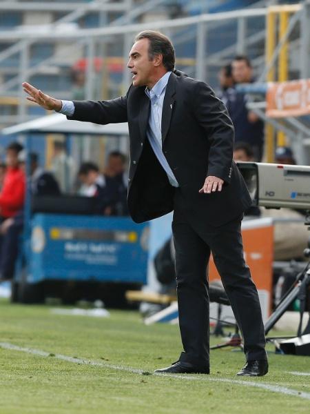 Martín Lasarte, técnico do Chile, se prepara para duelo contra o Paraguai em 25 de março - REUTERS/Ivan Alvarado