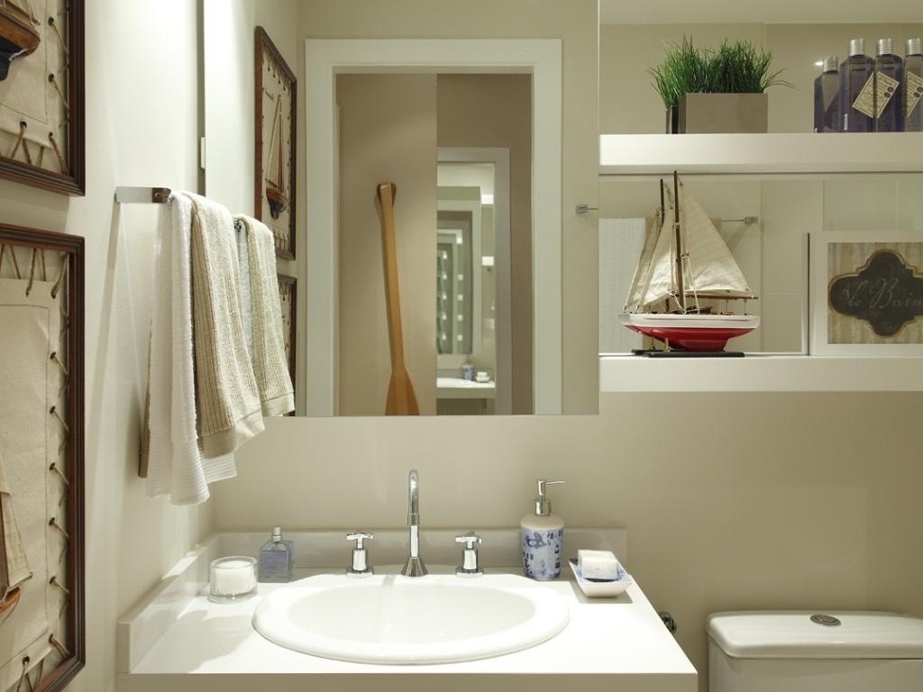 Banheiros pequenos dicas de decoração para quem tem pouco espaço  BOL Fotos -> Banheiro Pequeno Solucao