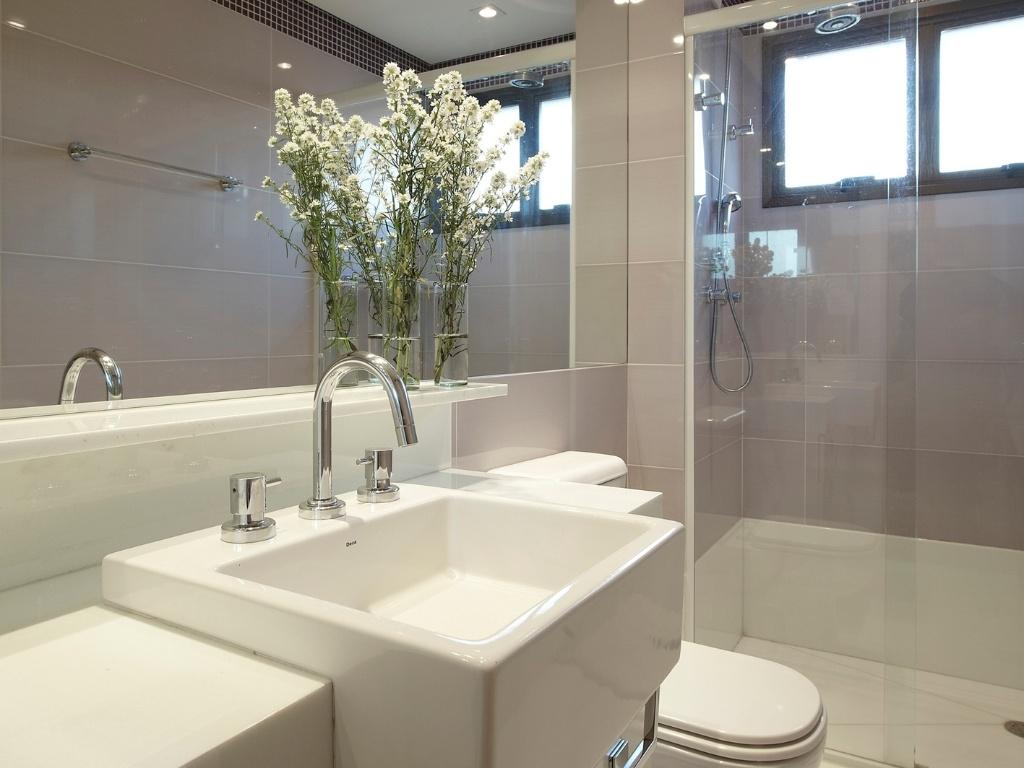 #81784A  de decoração para quem tem pouco espaço BOL Fotos BOL Fotos 1024x768 px Banheiros Antigos Fotos 1571
