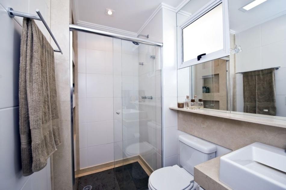 Banheiros pequenos dicas de decoração para quem tem pouco espaço  BOL Fotos -> Banheiro Com Pastilha Embaixo Do Espelho