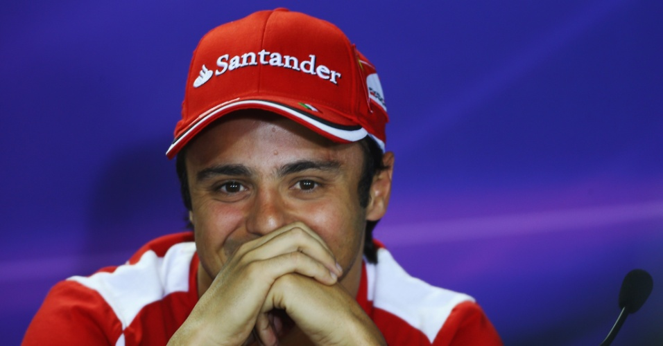 Felipe Massa sorri durante coletiva nesta quinta-feira em Interlagos