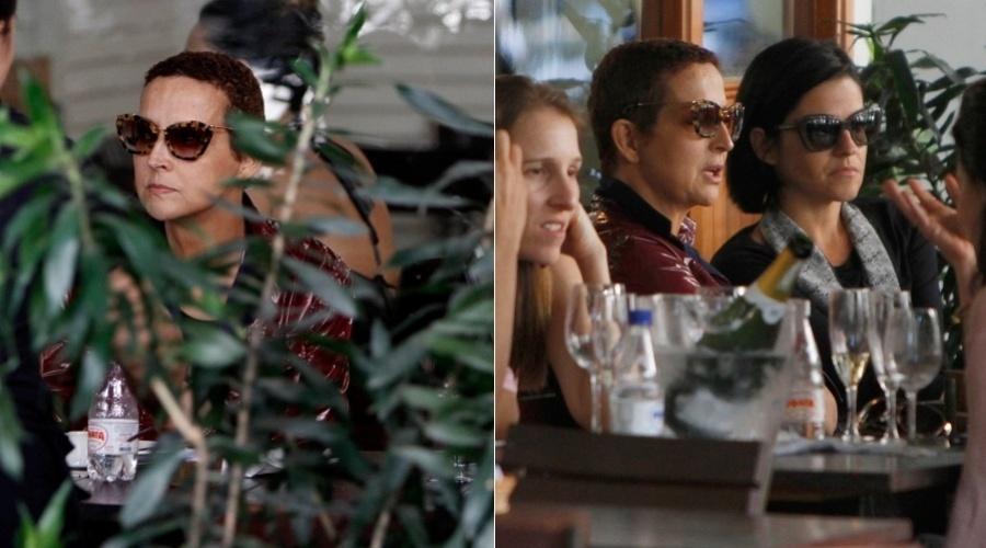 Betty Lago almoçou com algumas amigas em um restaurante no Leblon, zona sul do Rio (23/11/12). A atriz está em tratamento contra um câncer no intestino