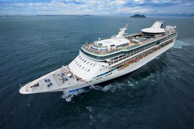 Recentemente renovado pela Royal Caribbean,o Splendour of the Seas é um cruzeiro que frequenta a costa brasileira há algumas temporadas