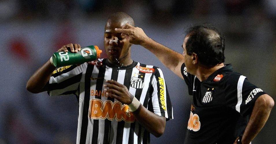Muricy Ramalho dá bronca em Victor Andrade no empate de 1 a 1 do Santos com o Corinthians