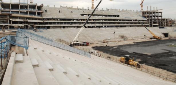 Estádio do Corinthians, o 'Itaquerão': entornos do local receberão obras de R$ 317,7 milhões (24.nov.2012)