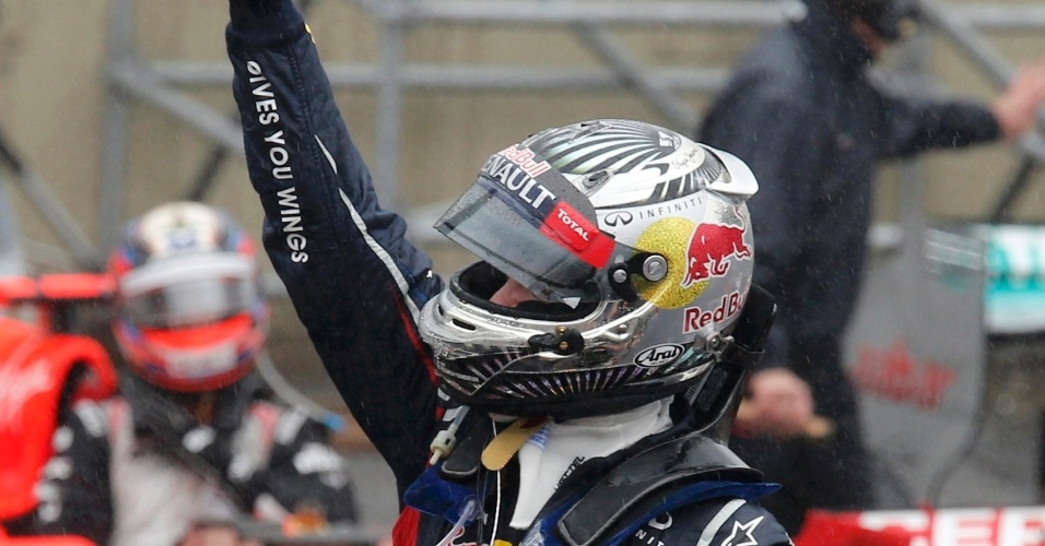 Sebastian Vettel se tornou o piloto mais jovem da história da Fórmula 1 a se tornar tricampeão da categoria, aos 25 anos