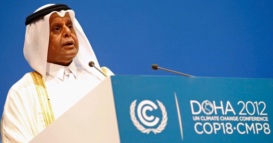 """26.nov.2012 - Abdullah bin Hamad al Attiyah, presidente da COP 18,  se mostrou """"disposto a seguir escutando o que for necessário para enfrentar o desafio comum da humanidade e fazer o possível para assegurar um futuro melhor"""". Ele acrescentou que a cúpula é """"uma oportunidade de ouro"""" e apostou na transparência, na participação e no fortalecimento do papel das partes como princípios básicos para a negociação"""