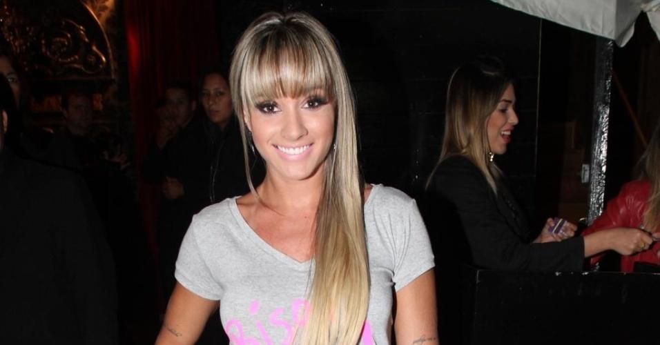 26.nov.2012 - Ex-panicat Juju Salimeni esteve em uma balada em São Paulo na festa de encerramento da temporada 2012 da Fórmula 1