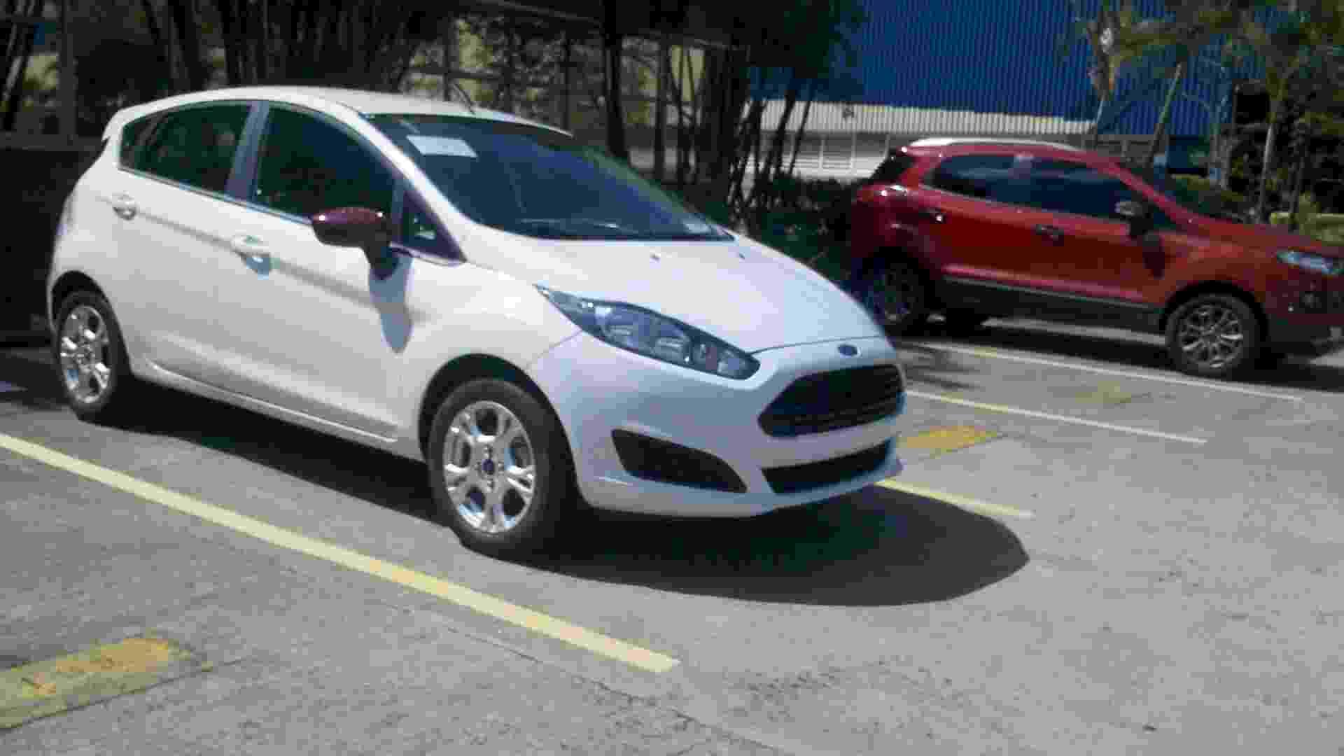 O leitor de UOL Carros Marcos Vinicius Ratti Goes viu este Ford New Fiesta em frente à fábrica da marca, em São Bernardo do Campo (SP); trata-se do modelo nacional do carro - Marcos Vinicius Ratti Goes/UOL