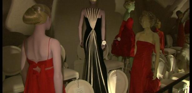 Exposição com vestidos de Valentino, em Londres, na Inglaterra - BBC