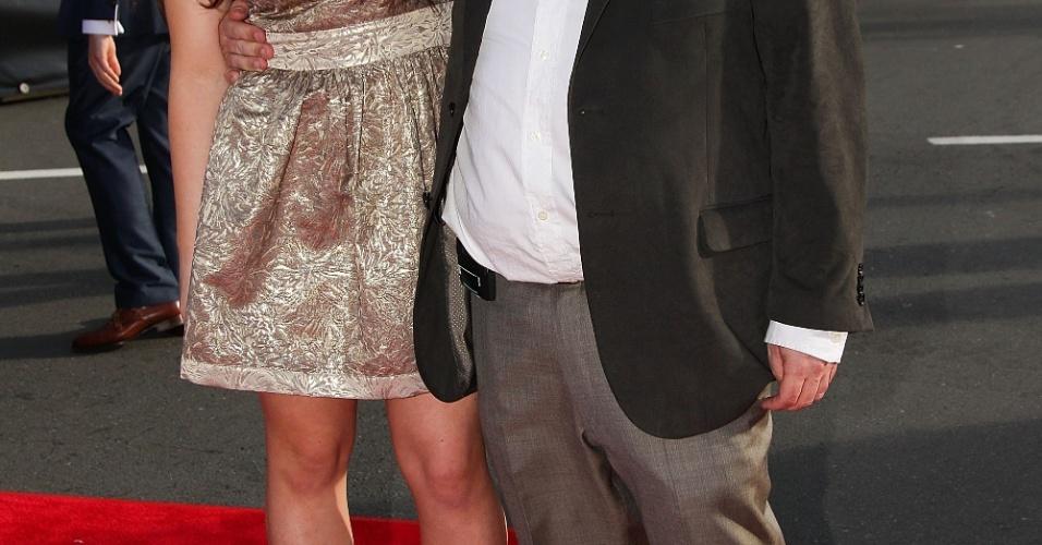 O diretor Peter Jackson e sua filha Katie participam da pré-estreia de
